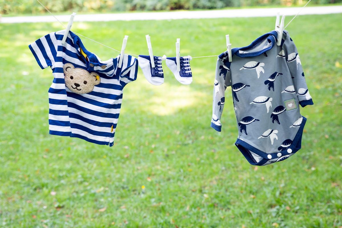 Babykleidung_Wäscheleine