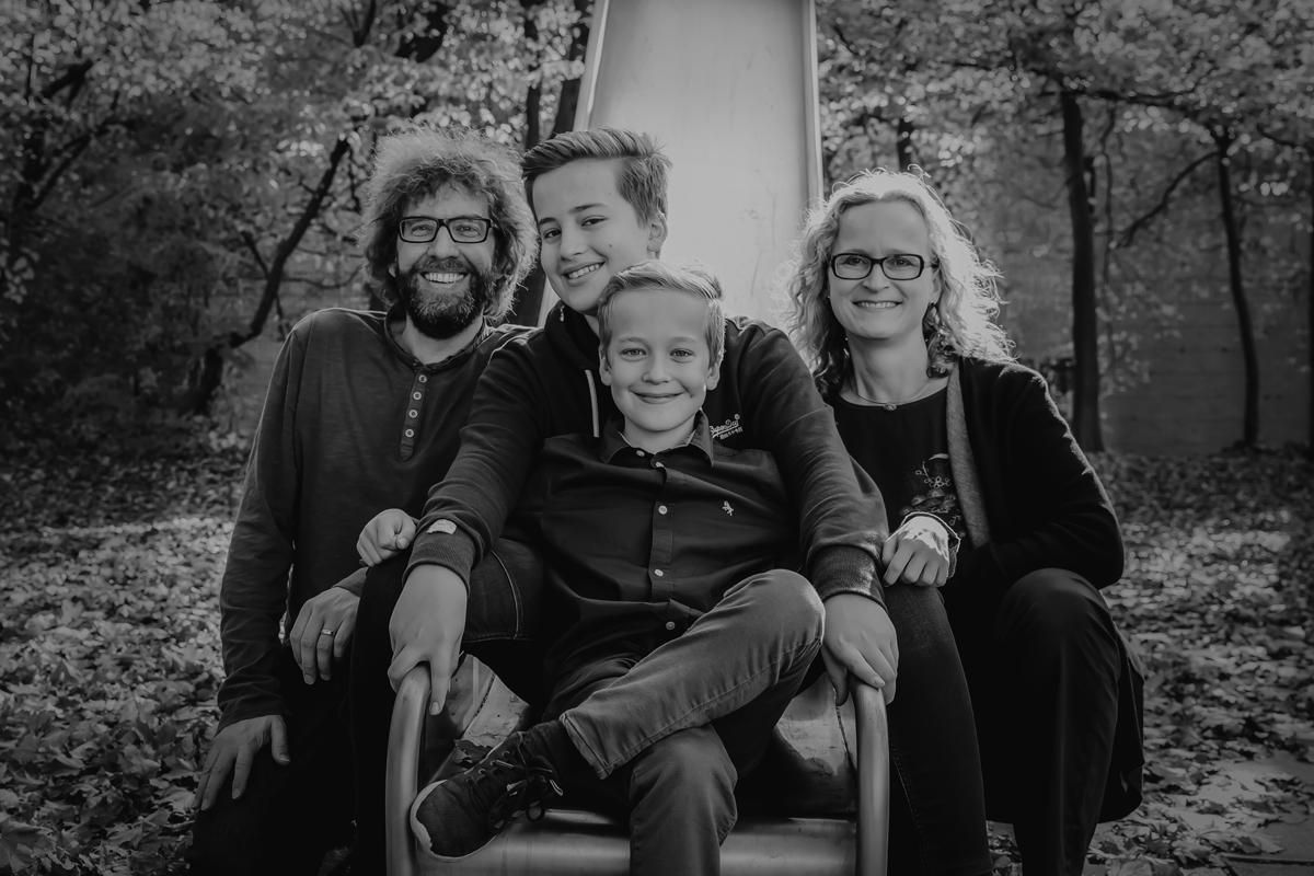 Familie_auf_Rutsche