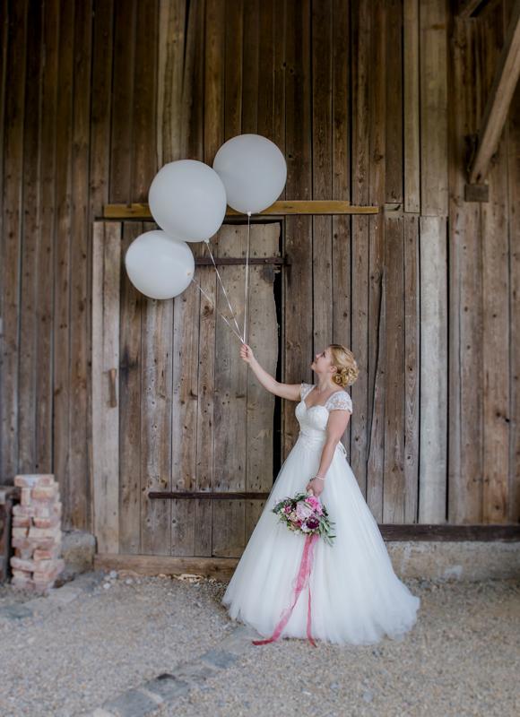 Portrait_Braut_Ballons