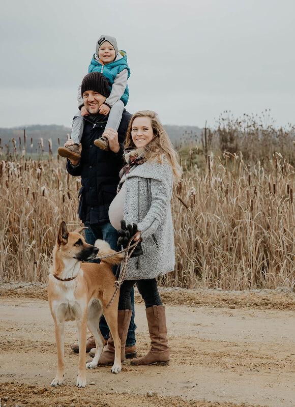 Schwangerschaftsshooting_Familie outdoor